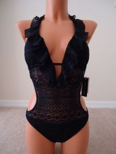 normally dont like a Monokini, but this is cute