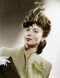 Agnes Moorehead Private Life | Colored photos - Sitcoms Online Message Boards - Forums Old Hollywood Glamour, Hollywood Actor, Golden Age Of Hollywood, Vintage Hollywood, Hollywood Actresses, Classic Hollywood, Agnes Moorehead, Bewitched Elizabeth Montgomery, Female Movie Stars