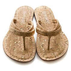 cork sandals! This sin't half bad lookin'!
