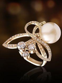 ~ PEARLFECION ~ *Chanel ~ 18k, cultured pearl & diamonds