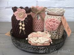 Crocheted jars made by me Crochet Cozy, Crochet Dishcloths, Crochet Gifts, Diy Crochet, Crochet Decoration, Crochet Home Decor, Crochet Flower Patterns, Crochet Flowers, Knitting Projects
