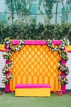 Wedding Backdrop Design, Desi Wedding Decor, Wedding Stage Design, Wedding Hall Decorations, Backdrop Decorations, Backdrops, Marriage Decoration, Backdrop Ideas, Wedding Bride