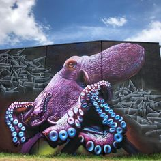 Street Art Best Of February 2018 As Every month here's Best of Street Art. All these street art and graffiti artworks were realised in the last few weeks. It has been very difficult to… Urban Street Art, 3d Street Art, Amazing Street Art, Street Artists, Murals Street Art, Street Art Graffiti, Graffiti Artwork, Mural Art, Graffiti Lettering