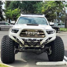 Everything Toyota's: Featuring 👉🏻 ___________________________ . Jacked Up Trucks, Ford Pickup Trucks, Toyota Trucks, Jeep Truck, 4x4 Trucks, Chevy Trucks, Toyota Tacoma 4x4, Toyota 4runner Trd, Tacoma Truck