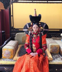 China Girl, Chinese Clothing, Qing Dynasty, Traditional Outfits, Asian Beauty, Costumes, Head Games, Royal Palace, Dresses