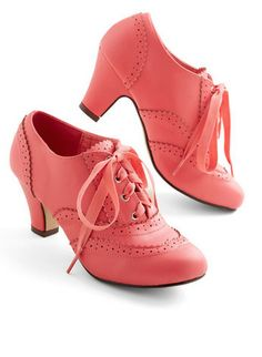 darling lace up shoes  http://rstyle.me/n/j6h4npdpe