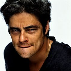 do-nothing:  We Heart It -   Benicio Del Toro . NET - a fanlisting and a fansite » Benicio » Photos 4