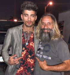 """jerryascione: 🎬 Such an awesome experience working bts on new video """"LET ME."""" Great crew and Zayn is beyond his years in mature. One Direction Zayn Malik, Zayn Mallik, Baby Daddy, Beautiful Person, Beautiful Boys, Zayn News, One Ditection, Zayn Malik Photos, Dressing Sense"""