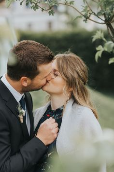 Camo Wedding Cakes, White Wedding Cakes, Shoe Cakes, Purse Cakes, Top Wedding Trends, Dragon Cakes, Ruffle Cake, Fashion Cakes, Wedding Ceremony