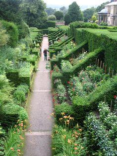Biddulph Grange Gardens in Staffordshire - England