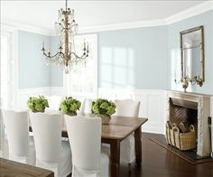 Look at the paint color combination I created with Benjamin Moore. Via Wall: Swiss Coffee Trim & Wainscot: Distant Gray Ceiling: Distant Gray Share your saved colors, start a new search or go to your local Benjamin Moore retailer for samples. Benjamin Moore Paint, Benjamin Moore Colors, Benjamin Moore Abalone, Collingwood Benjamin Moore, Pale Oak Benjamin Moore, Benjamin Moore Healing Aloe, Benjamin Moore Barren Plain, Benjamin Moore Horizon, Palladian Blue Benjamin Moore