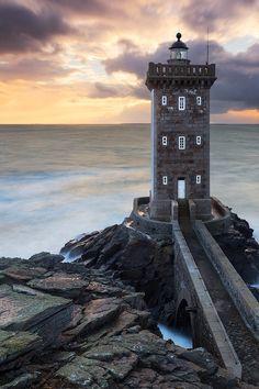 sundxwn: Braver les tempêtes by Nicolas Rottiers