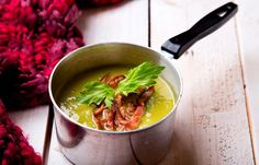 Σούπα κρέμα αρακά με τσορίθο και λεμονόχορτο Ramen, Chicken, Meat, Cooking, Ethnic Recipes, Food, Beef, Baking Center, Koken