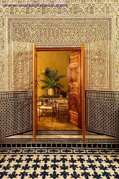 Morocco Travel Inspiration - Door In Marrakech, Marrocos Moroccan Design, Moroccan Decor, Moroccan Style, Islamic Architecture, Art And Architecture, Architecture Details, Style Marocain, Room Deco, Morocco Travel