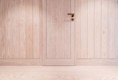 Door build in Oregon Pine with custom oxidized brass door handle. #oregonpine #wood