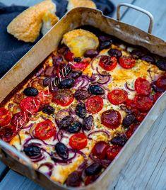 Bakad fetaost med tomat och oliver