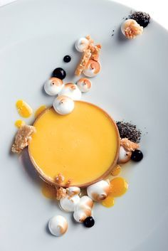 """Passion Fruit """"Tart,"""" Sesame, Argan Oil, and Meringue Pastry Chef Alex Stupak of – New York, NY Fruit Recipes, Dessert Recipes, Cooking Recipes, Weight Watcher Desserts, Low Carb Dessert, Fancy Desserts, Molecular Gastronomy, Culinary Arts, Food Plating"""