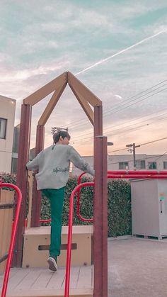 """""""ɪ ᴛʜɪɴᴋ ɪ ʟᴏᴠᴇ ʏᴏᴜ ᴀ ʟɪᴛᴛʟᴇ ʙɪᴛ ᴍᴏʀᴇ ᴇᴠᴇʀʏᴅᴀʏ ♡♡"""". Edited by sunnyphilia on twitter Nct Doyoung, Nct Life, K Idol, Entertainment, Winwin, Taeyong, Boyfriend Material, Jaehyun, Nct Dream"""