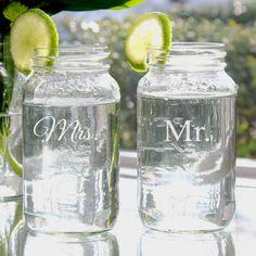 Wedding gift idea - Mr and Mrs Mason Jar