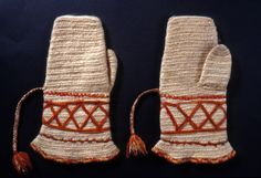 Nalbound mittens, Finland - Sakkola, Carelian Isthmus (Russia since 1944). Prior to 1905. Length 29 cm, width 9-19  cm.