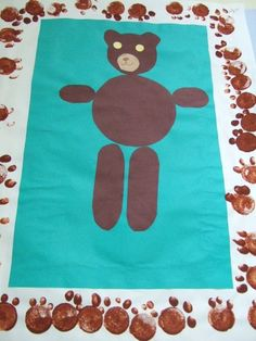 Cadre avec empreintes ours Primary Classroom, Classroom Activities, Goldilocks And The Three Bears, 3 Bears, Bear Theme, Petite Section, 3 D, Teddy Bear, Kids Rugs
