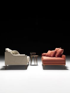 Do you like contrasts? If so, check this odd couple out. Somehow it makes sense. What do you think? Check out the whole spread on my website. Furniture Decor, Outdoor Furniture Sets, Furniture Catalog, Outdoor Decor, Odd Couples, Contrast, Comfy, Beige, Switzerland