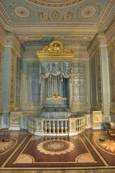 Gatchina Palace - The State Bedroom - gilded canopied bed made by A. Jacob, a famous French cabinet-maker of the late 18th century.