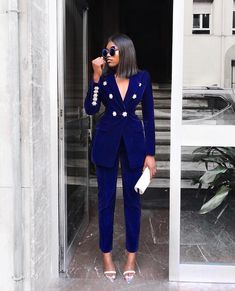 tarting the weekend with this bomb Velvet Suit ✔️💁🏾‍♀ Suit Fashion, Fashion Dresses, Fashion Looks, Womens Fashion, Fashion Sale, Fashion Brands, Classy Outfits, Stylish Outfits, Blue Velvet Suit