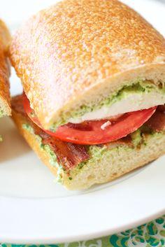 bacon pesto tomato sandwich