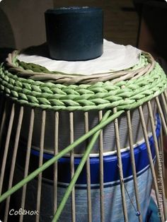 Master class on weaving from newspapers: A box of paper Straw Crafts, Jute Crafts, Rustic Crafts, Paper Basket Weaving, Basket Weaving Patterns, Newspaper Basket, Newspaper Crafts, Hand Embroidery Patterns Flowers, Leather Pattern