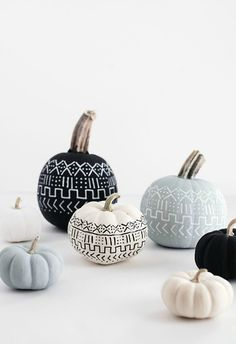 Pumpkin monochrome magic! 5 FALL DECOR TIPS - STEPHANIE STERJOVSKI
