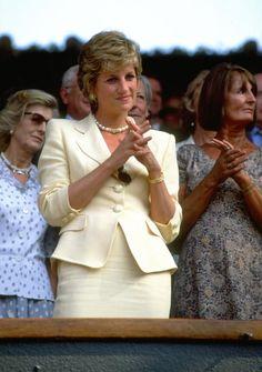.........with Lady Annabel Goldsmith (Diana's left), Wimbledon, 9 July 1995
