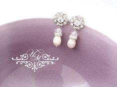 Swarovski Pearl Swarovski Crystal Rhinestone flower earrings / Earrings Length approx : 1.25 inches Earrings Weight : 3g for each 100% Brand New / https://www.etsy.com/listing/170903451/wedding-jewelry-wedding-earrings-bridal?ref=shop_home_active_14