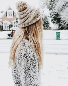 this makes winter seem not so bad | winter hair, snow, snow attire, hat, beanie, hall on top, long blonde hair, straight hair, blond fashion inspiration, casual, everyday, day to night, date outfit, minimalist, minimalism, minimal, simplistic, simple, modern, contemporary, classic, classy, chic, girly, fun, clean aesthetic, bright, white, pursue pretty, style, neutral color palette, inspiration, inspirational, trendy, on trend, glam, tousled, boho, stylish, sophisticated