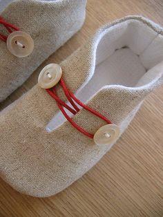 Zapatillas de Casa hechas a mano con dos botones