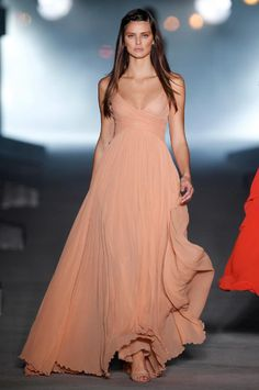 Simply gorgeous for a summer event. Tan skin + this color = perfect!
