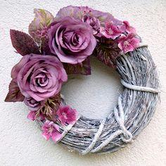 Revový věnec na dveře se starorůžovými růžemi Summer Wreath, Grapevine Wreath, Grape Vines, Floral Wreath, Wreaths, Decor, Floral Crown, Decoration, Door Wreaths