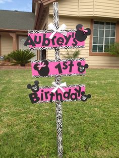 Minnie Mouse 1st Birthday sign