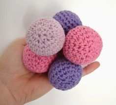 my world of wool: tutorial how to make crochet balls