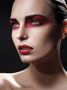 Red eyeshadow & red lip