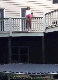 Saut en trampoline raté
