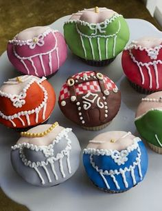 Oktoberfest Cupcakes! http://www.oktoberfesthaus.com/category/party-decorations.tableware/