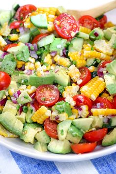 Tomato Avocado Salad This Corn Tomato Avocado Salad is my favorite summery side dish that goes beautifully with everything grilled!This Corn Tomato Avocado Salad is my favorite summery side dish that goes beautifully with everything grilled! Avocado Tomato Salad, Avocado Salad Recipes, Summer Salad Recipes, Summer Salads, Avocado Toast, Cucumber Salad, Grilled Avocado, Healthy Summer Dinner Recipes, Avocado Dishes