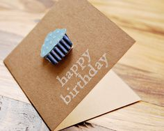 simple cupcake on kraft happy birthday card idea