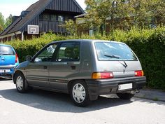 1990 Daihatsu Charade. Only 1 generation of this car was sold in the USA before Daihatsu had to pull out.