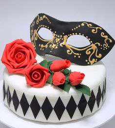 viorica's cakes: Mask and roses