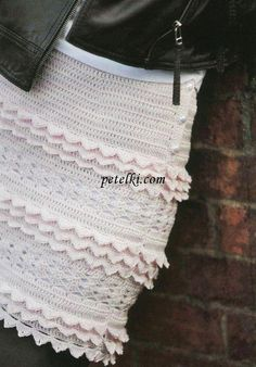 This site has a ton of cute free patterns, like this skirt. In Russian.