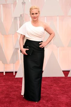 The best actress nominee goes for a high contrast look in an asymmetrical column gown by new designer Rosetta Getty.    - HarpersBAZAAR.com