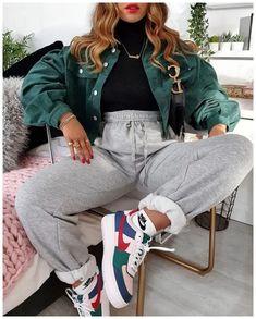 Nike Nike - Air Force 1 Shadow - Baskets - Bleu marine et rose - Coverstyless - . - Nike Nike – Air Force 1 Shadow – Baskets – Bleu marine et rose – Coverstyless – – Source by - Cute Comfy Outfits, Cute Winter Outfits, Stylish Outfits, Cool Outfits, Simple Outfits, Outfit Winter, Amazing Outfits, Casual Nike Outfits, Outfits With Sweatpants
