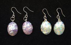 Boucles d'oreilles en argent 925ème avec gouttes irisées lilas et opales de la boutique LibeBulle sur Etsy